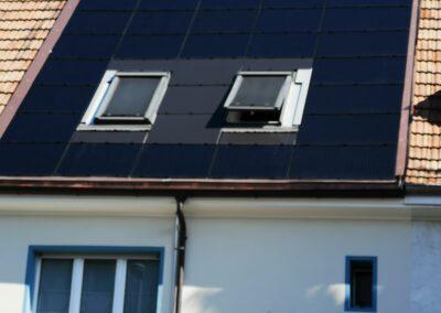 Dachsanierung Basel mit Fotovoltaik vordere Seite
