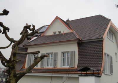 Dachsanierung mit Biberschwanzziegel Oberwil